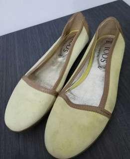 Preloved Sepatu Flat TODS Kuning Muda Suede Original