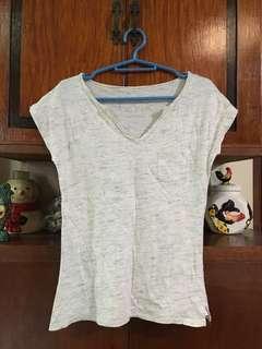 👱🏻♀️Penshoppe Basic Off-White Shirt