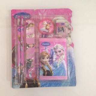 Goodies bag- frozen wallet set