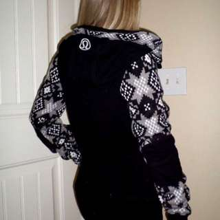 Lululemon black white stride sweater jacket