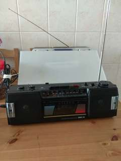 AM-FM STEREO RADIO Years1975 CASSETTE NOT WORKING