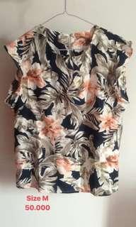 Outshoulders flower blouse