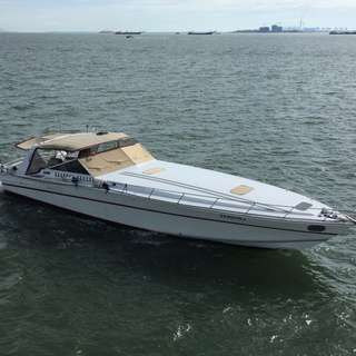 Motor boat, Cary 50 Offshore USA built.