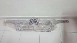 Toyota dyna euro 4/5 chrome front grill with Toyota Logo