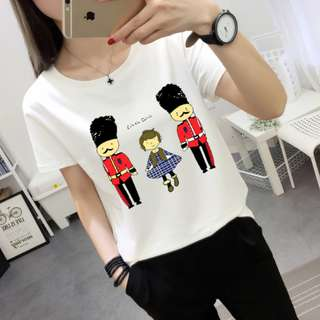 Brand New T-shirt London soldier in White For Outing, Dinner, Party, Birthday, Photo taking
