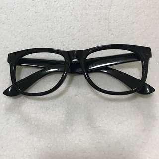Fashion black sunglass w/o lens