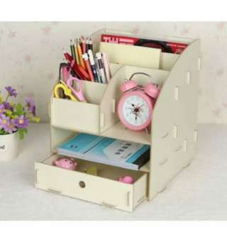 Desk/shelf/stationery organiser