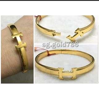 916 Gold bangle Hermes