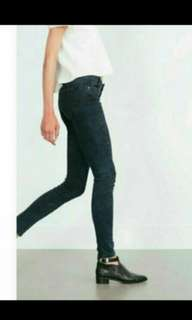BN ZARA RIPPED BLACK JEANS