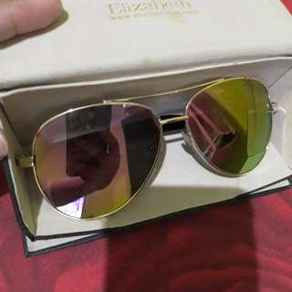 Kaca mata merk elisabet.include boxnya..original masih bgs jarang pakai..jual rugi