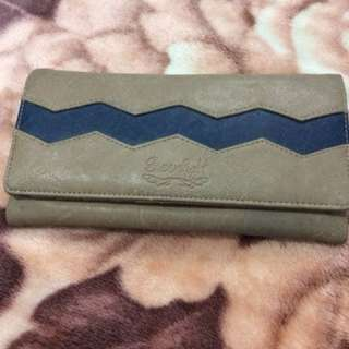 Dompet panjang Greenlight