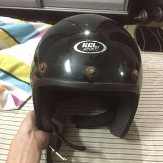 Helmet Bel.