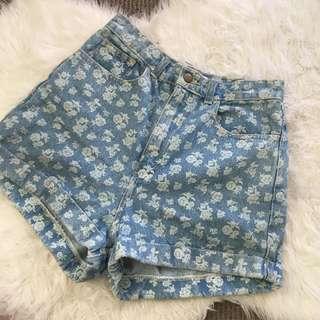 Vintage style Highwaisted Floral Shorts