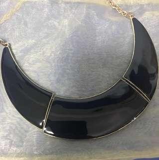 Lovisa black decadent light reflective short necklace