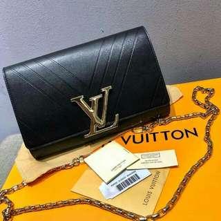 LV PREMIUM.SLING BAG.CLUTCH