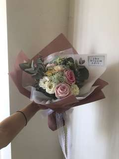 Today Special - 9 Bloom Bouquet