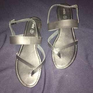 Rubi Black Sandals US 10