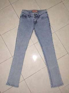 Jeans wanita size s