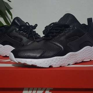 Nike huarache leather