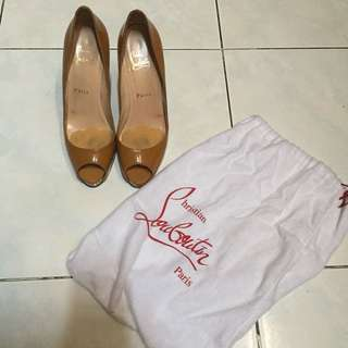 AUTHENTIC Christian Louboutin size 38, heels 10cm