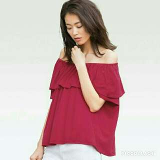 Uniqlo Maroon Off Shoulder Top