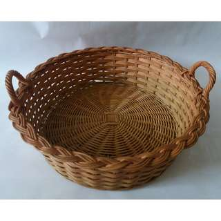 QYOP Straw-Coloured Round Woven Basket