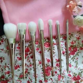 Brush set / kuas make up