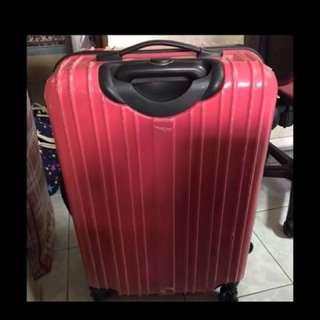 24吋紅色行李箱