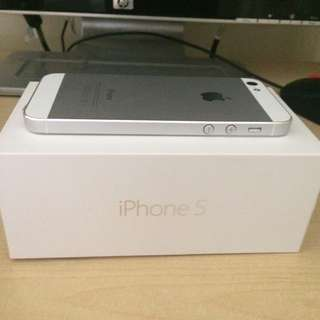 Iphone5 16g 九成新 全新配件加機