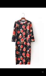 Europe and the United States thin round neck sleeve cropped knee-length dress