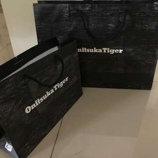 Onitsuka Tiger paper bag (size XL and L)