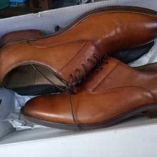 Brand new aldo brown shoes (never been used)