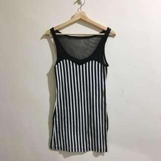🚚 直條紋性感洋裝