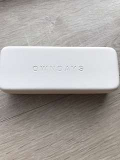 Ownsday spectacle box