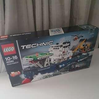 LEGO TECHNIC **Ocean Explorer** 42064