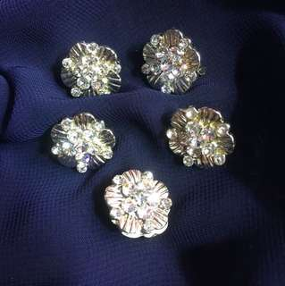 5 pieces Flower Pin Brooches