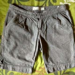 Giordano bermuda pants