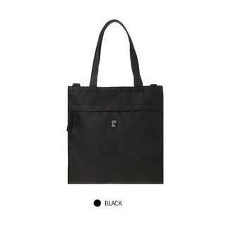SPAO Unisex Tote Sling Bag In Black