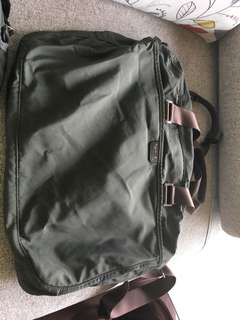 Agnes b 旅行大袋