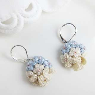Maid of honor gift blue flower dangle earrings - Mother's Day gift - bridesmaid earrings