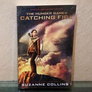 English Novel Catching Fire serial The Hunger Games by Suzanne Collins