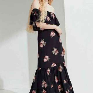 🌼WS/Resell Price 400 💋Maxi Dress  💫Free size fits up to Semi L 💫1 Color 💫Soft Chiffon