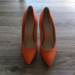 [NEW] Orange point toe heels