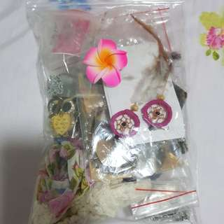Bag of 25+ accessories