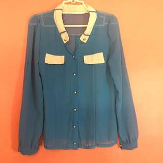 Long-sleeved blouse in Baby Blue