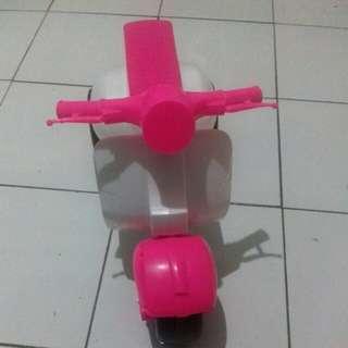 Vespa Anak /Barter Sepeda Roda 3 Plastik