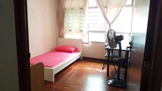 275B Compassvale Link Common Room for RENT