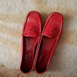 Shoebox Red shoes