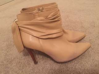 Diana Ferrari Leather Nude Bow Heels Boots Size 6