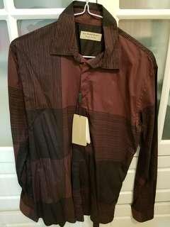 Burberry england 恤衫,全新,s size,  未剪牌